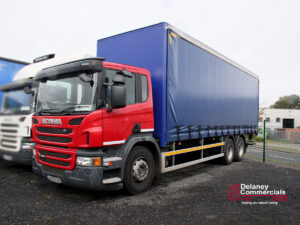 Scania P320 curtainside