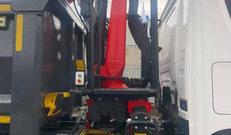 New P410b 8x4hz Xt Grab truck. full